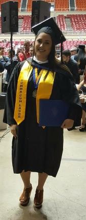 Wilmarie se paseó Summa Cum Laude por su graduación.